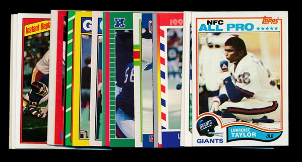 FB (26) Lawrence Taylor Cards